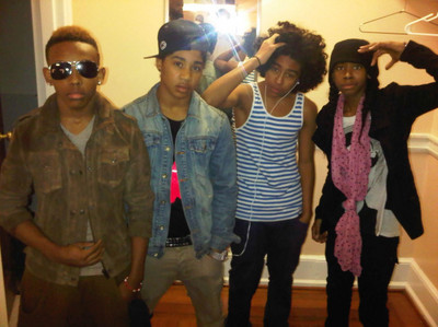 MINDLESS BEHAVIOR IS A GROUP OF YOUNG BOYS WHO CAME OUT IN 2009 AND THERE NAME ARE PRODIGY,ROCROYAL,R