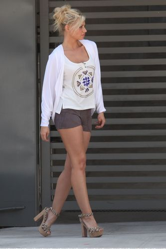 [August 12] Leaving a salon in West Hollywood