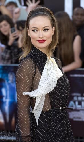 'Cowboys and Aliens' Luân Đôn Premiere [August 11, 2011]