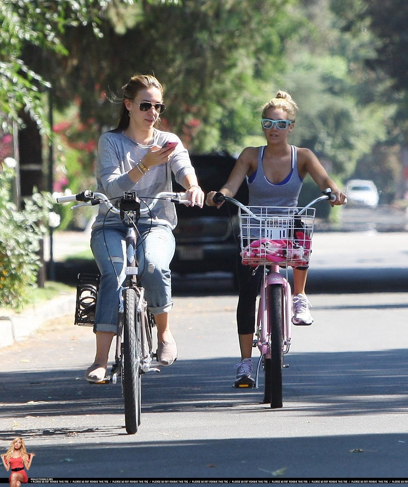 Ashley Riding a bicycle with Haylie Duff August 14 2011 ashley tisdale 24566137 838 1000 Colin Farrell admitted in a recent interview that he danced nude for Salma ...