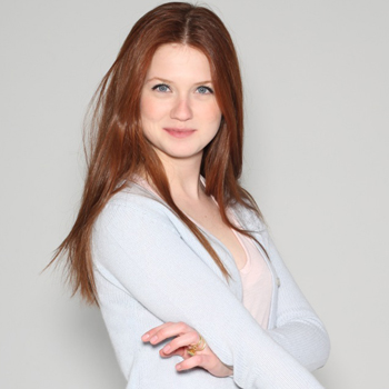 Bonnie Wright wallpaper probably containing a portrait titled Bonnie ♥