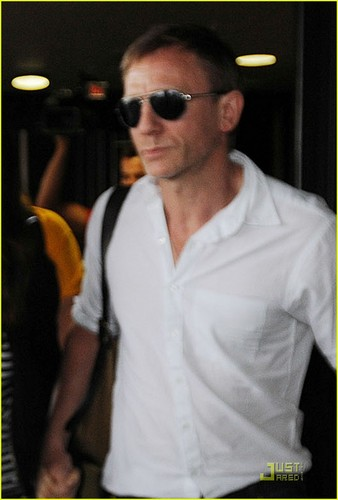 Daniel Craig & Rachel Weisz: Newark Newlyweds