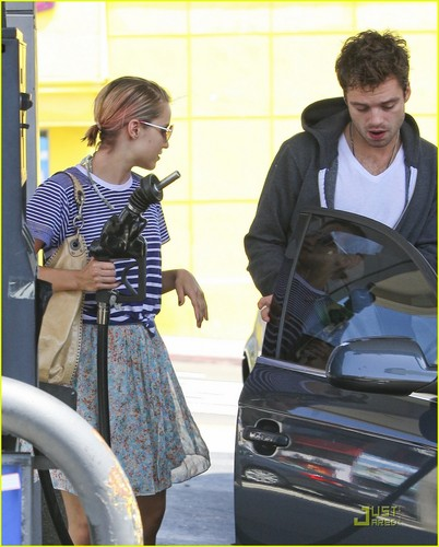 Dianna Agron with boyfriend Sebastian Stan: Saturday Sweeties!