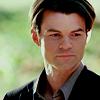 Información de los personajes cannon {The Vampire Diaries} Elijah-elijah-24597650-100-100