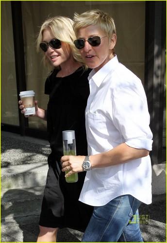 Ellen DeGeneres: 스타벅스 Stop with Portia!