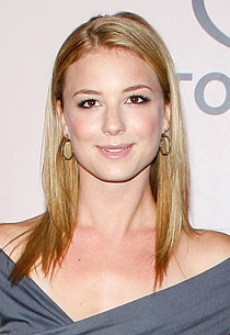 Revenge wallpaper with a portrait titled Emily VanCamp