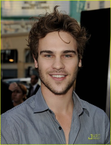 Grey Damon Find the 'Final Destination'