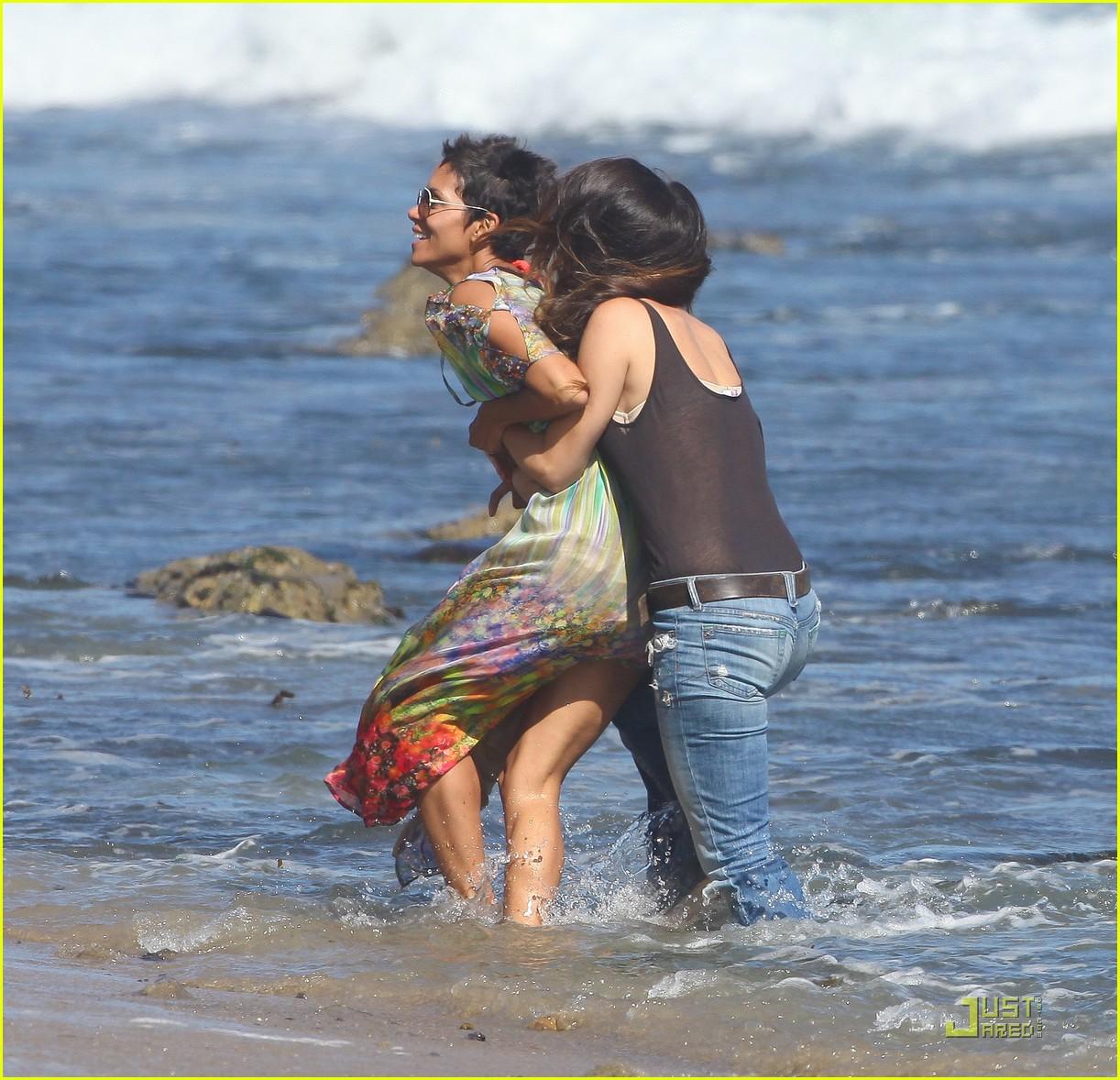 Halle Berry: Bikini Beach Birthday Bash!