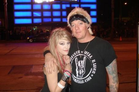 Jani and his daughter Taylar - jani-lane Photo