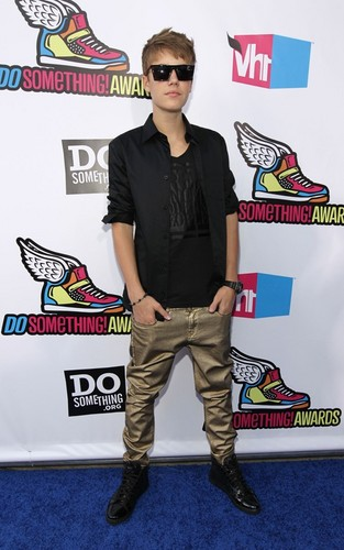 Justin Bieber Do Something Awards