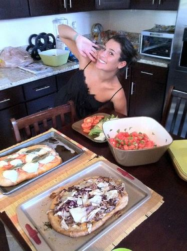 ग्ली वॉलपेपर containing an antipasto, a lunch, and a ब्रंच titled Lea,Jenna and Kevin Cooking @ Amber's house