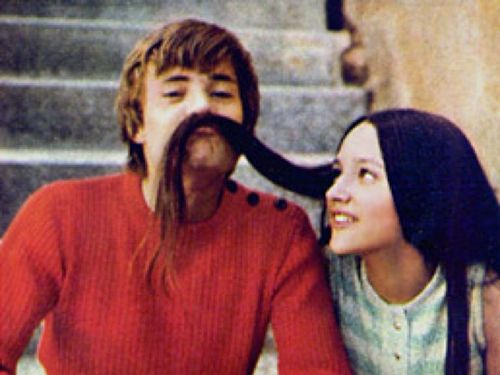 1968 Romeo and Juliet by Franco Zeffirelli wallpaper entitled Leonard Whiting & Olivia Hussey