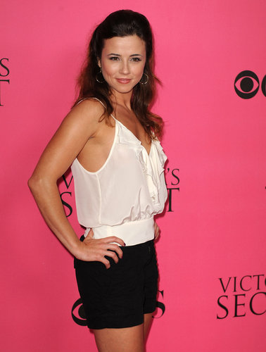 Linda Cardellini at the CBS & Victoria's Secret Party