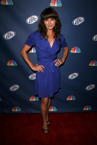 Linda Cardellini at the NBC & Miller Lite Party