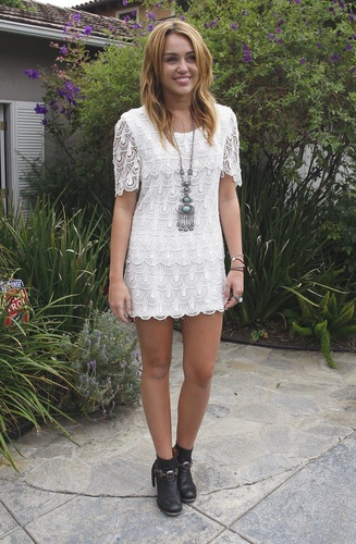 Miley -  Heading to a House Party in Brentwood - August 14, 2011