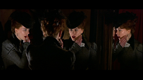 Nicole Kidman hình nền with a business suit called Moulin Rouge