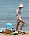 Reese Witherspoon on the beach on Hawaii, August 14 - reese-witherspoon photo