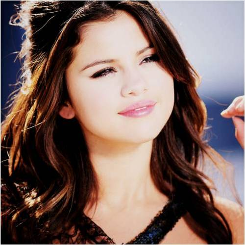 Selena Gomez Who Says Pics