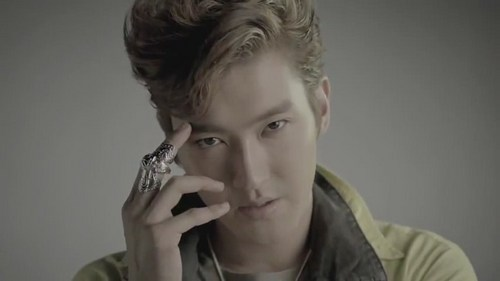 Siwon Mr. Simple MV