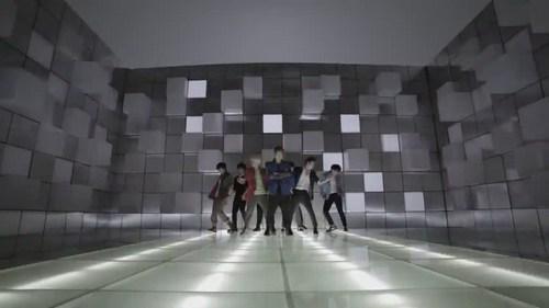 Super Junior Mr. Simple MV