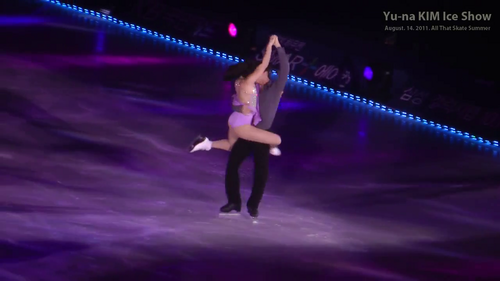 Tessa VIRTUE  Scott MOIR - Yu-na KIM ICE SHOW  - tessa-virtue-and-scott-moir Screencap