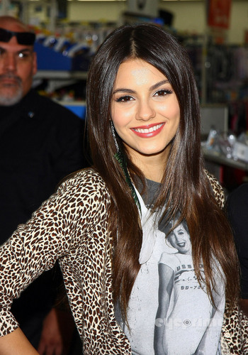 Victoria Justice: Victorious CD Signing in Duarte, CA, August 13