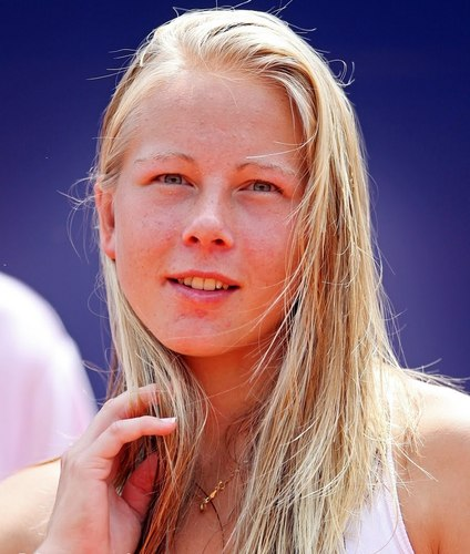 Johanna Larsson in a Purple Haze