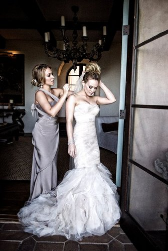 Hilary Duff & Mike Comrie 바탕화면 containing a bridesmaid called Wedding