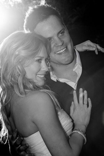 Hilary Duff & Mike Comrie fondo de pantalla called Wedding