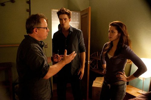 "Robert Pattinson & Kristen Stewart 壁纸 entitled ""Breaking Dawn: Part 1"" Behind The Scenes Stills"