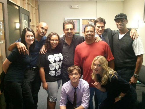 """""""Some dear Friends came Von the set today."""""""