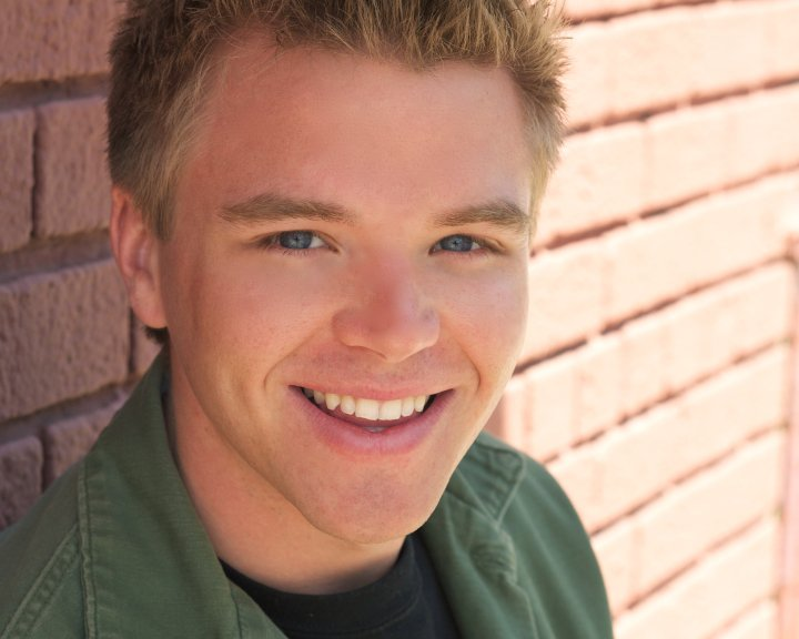 Brett Davern And Girlfriend 1000+ images about bre...