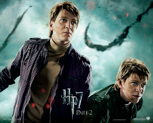 Harry Potter And The Deathly Hallows Part 2 karatasi la kupamba ukuta called Deathly Hallows Part II Official karatasi za kupamba ukuta