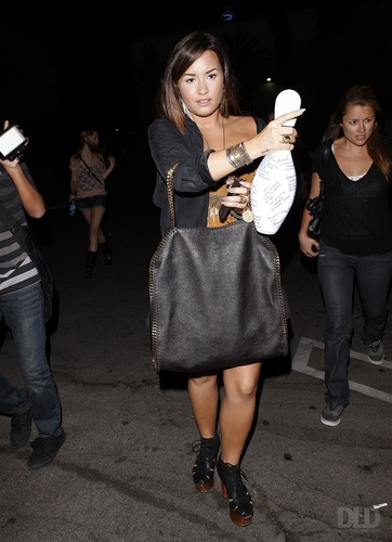 Demi - Leaves Pinz Bowling Alley in Studio City, CA - August 19, 2011