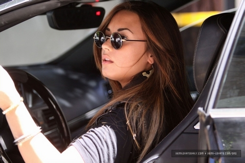 Demi - Leaving Nine Zero One Salon in Beverly Hills, CA - August 17, 2011