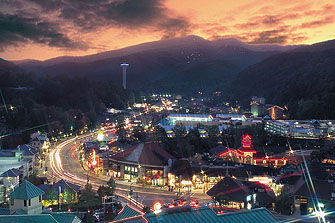 Tennessee wallpaper containing a business district called Gatlinburg, TN