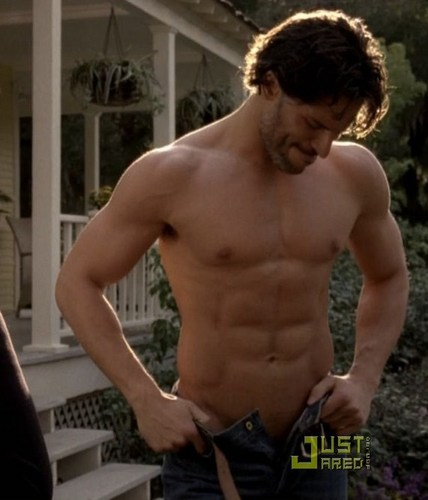 Joe Manganiello 壁紙 containing a 大きな塊, ハンク and a six pack entitled Joe shirtless