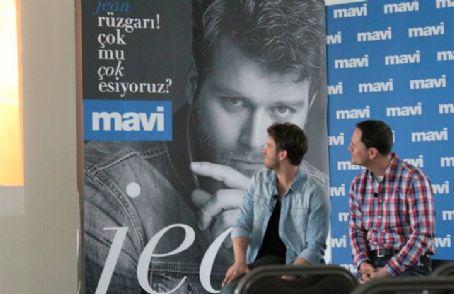 Kivanc Tatlitug-Mavi Jeans