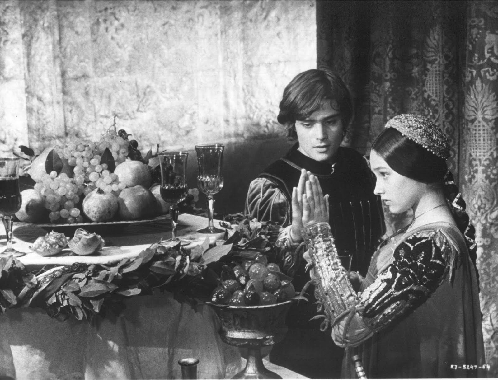 olivia hussey and leonard whiting dating Romeo and juliet (1968) both she and the actor who played romeo (leonard whiting) possess a beauty and innocence that i doubt any subsequent production could match zeferelli's.