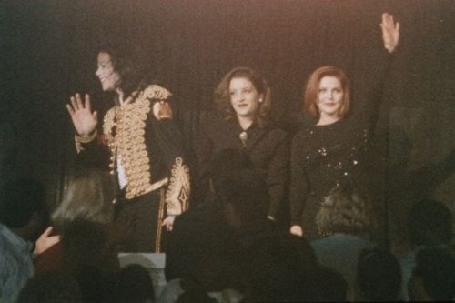 Lisa,Priscilla and Michael Jackson