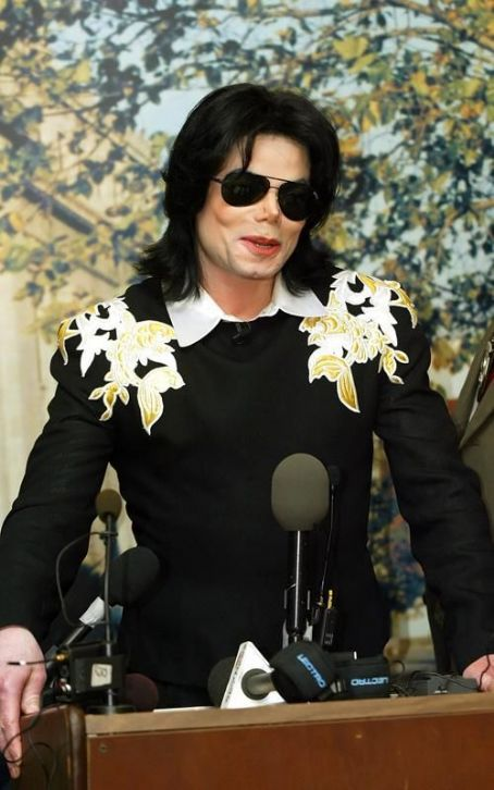 MICHAEL IS Amore