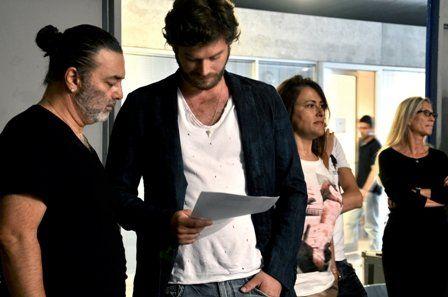 Mavi behind the scenes