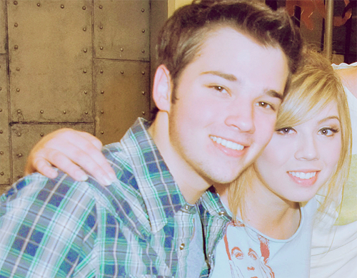 Nathan Kress wallpaper entitled Nathan & Jennette