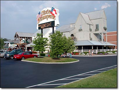 Check rates & availability for Hillbilly Highrise, located in Pigeon Forge, Tennessee. Book your stay online at Wyndham or call us.