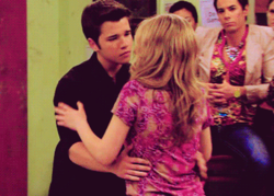 Sam and Freddie wallpaper with a portrait titled SEDDIE