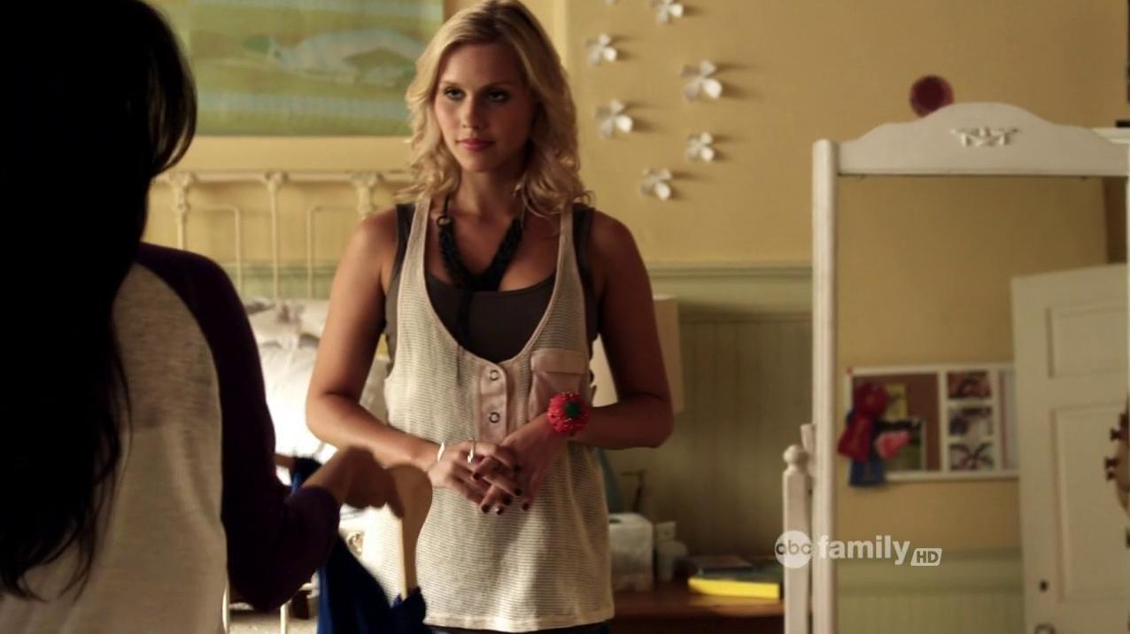 Pretty little liars 2x14 online dating 10
