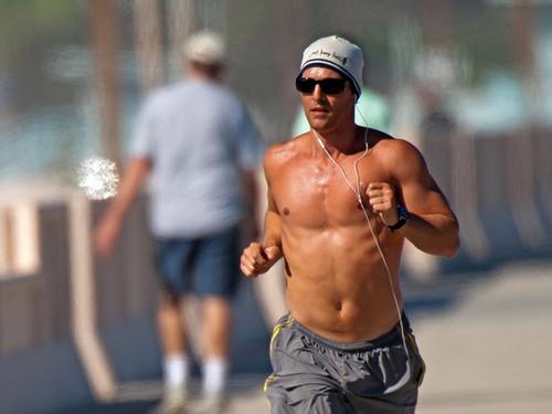 Shirtless Matthew !