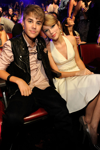 Taylor & Selena : 2011 Teen Choice Awards