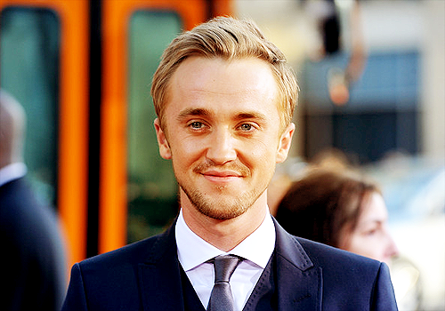 Tom Felton wallpaper containing a business suit, a suit, and a three piece suit called Tom
