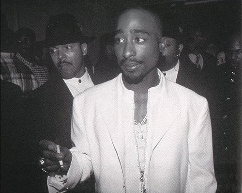 2パック(トゥパック・シャクール) 壁紙 possibly containing a business suit titled Tupac
